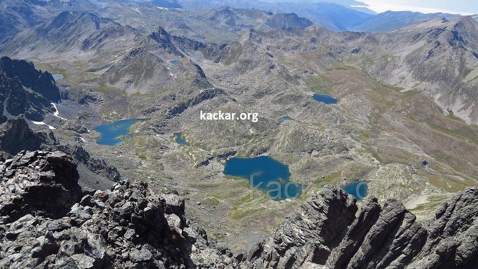 Verçenik Zirveden Kapılı Göller